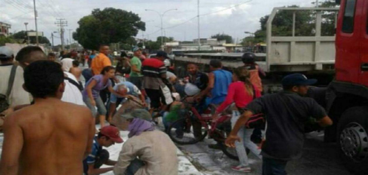Un camión  fue saqueado mientras trasladaba sacos de azúcar en Portuguesa