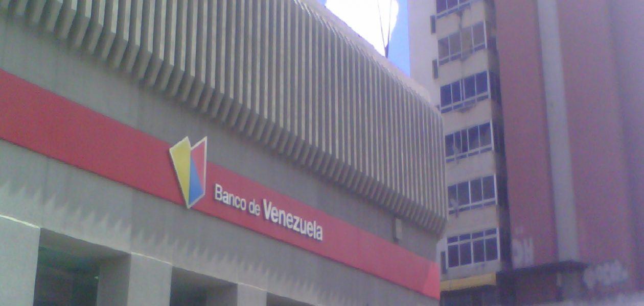 Bancos entregan billetes de 10 bolívares y comercios no los reciben