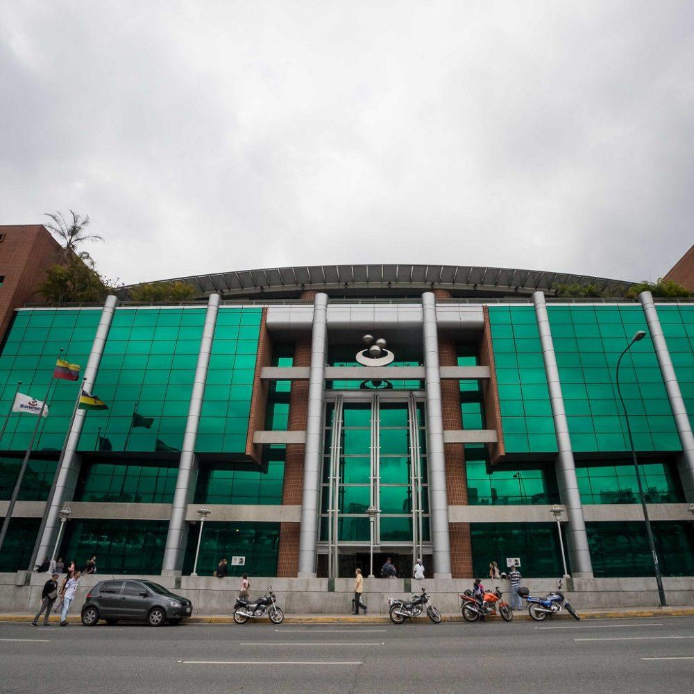 Otorgan libertad condicional para los 11 ejecutivos de Banesco