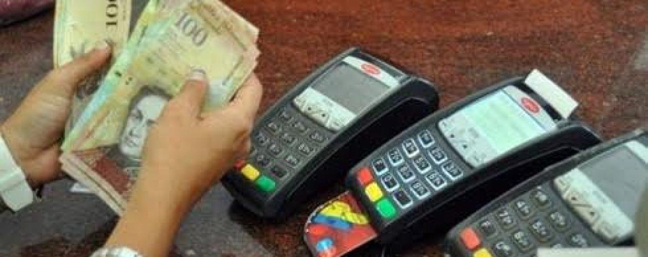 Bancos sin control de retiros y depósitos de billetes de 100 bolívares