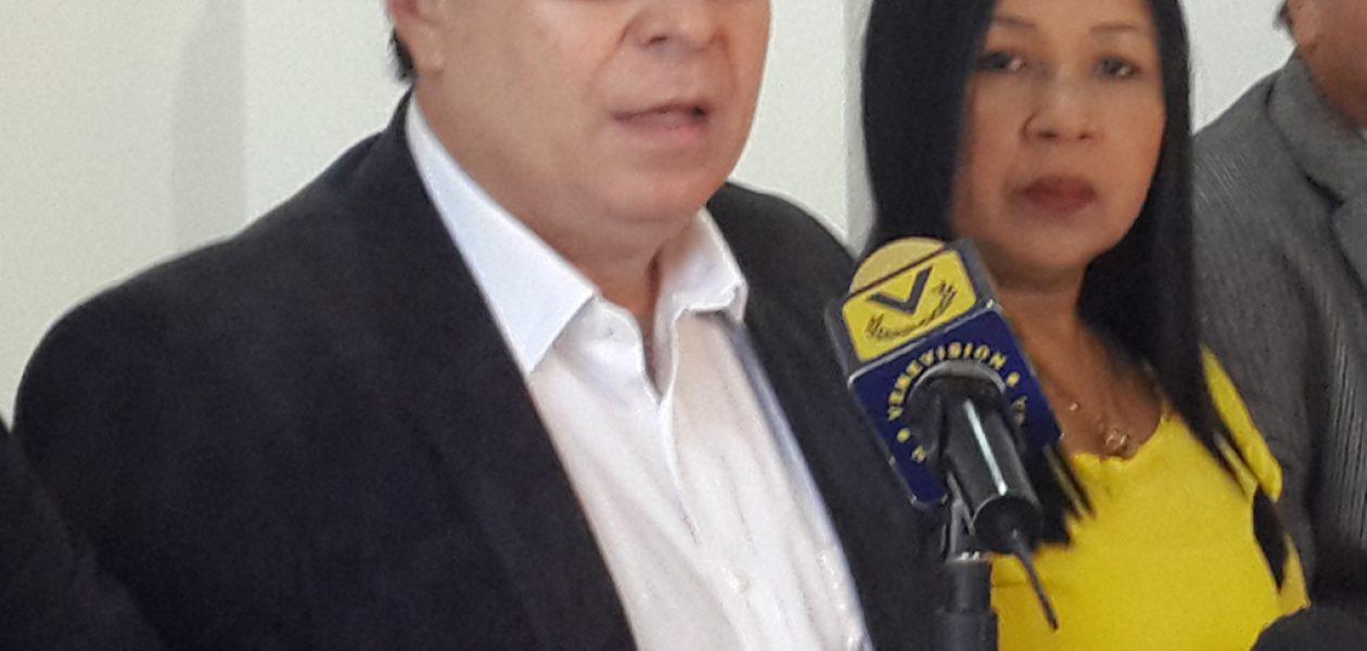 Candidato a la Gobernación del Zulia se las canta a la MUD y al PSUV