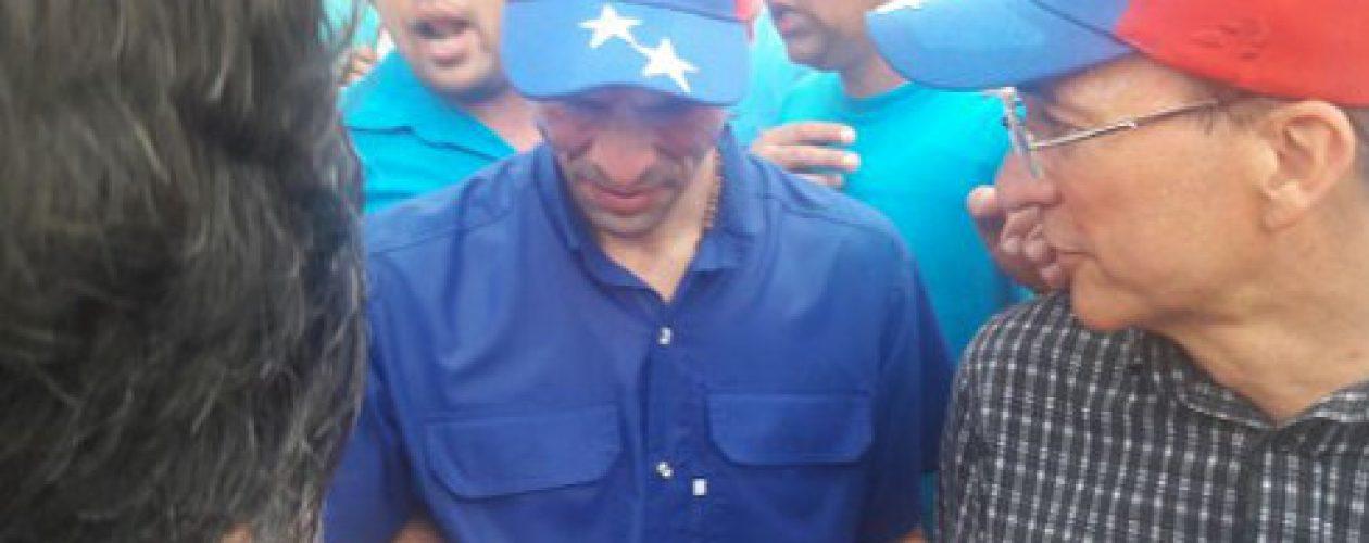 Henrique Capriles fue agredido durante marcha al CNE