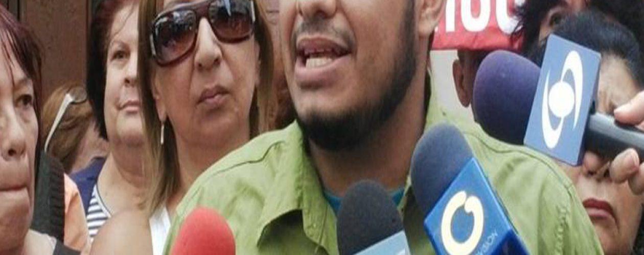 Periodista Carlos Julio Rojas fue detenido en San Bernardino
