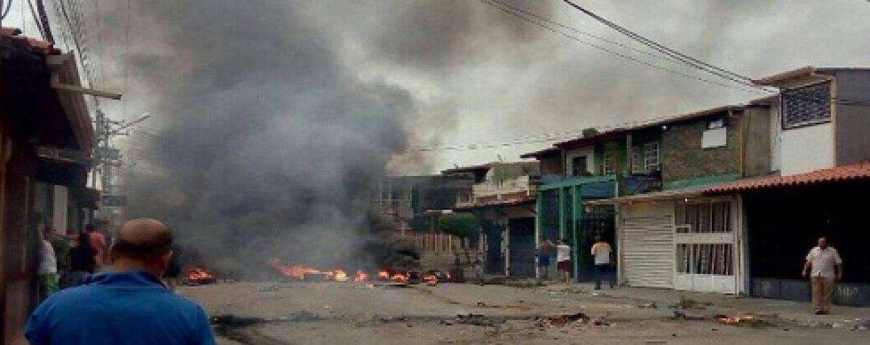 Casa de Chávez en Barinas fue quemada por manifestantes