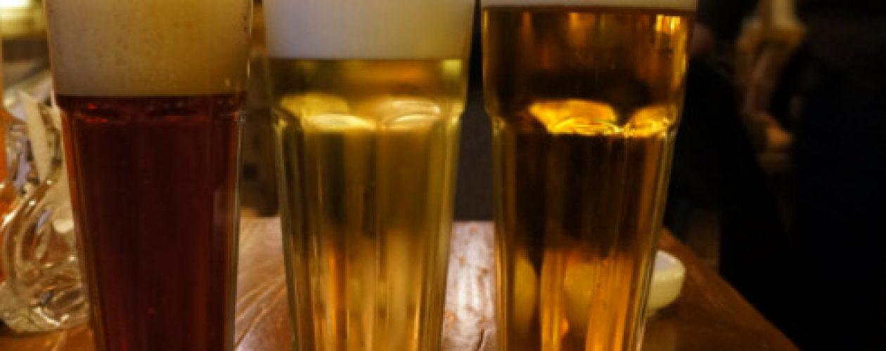 Las cervezas son racionadas en restaurantes caraqueños