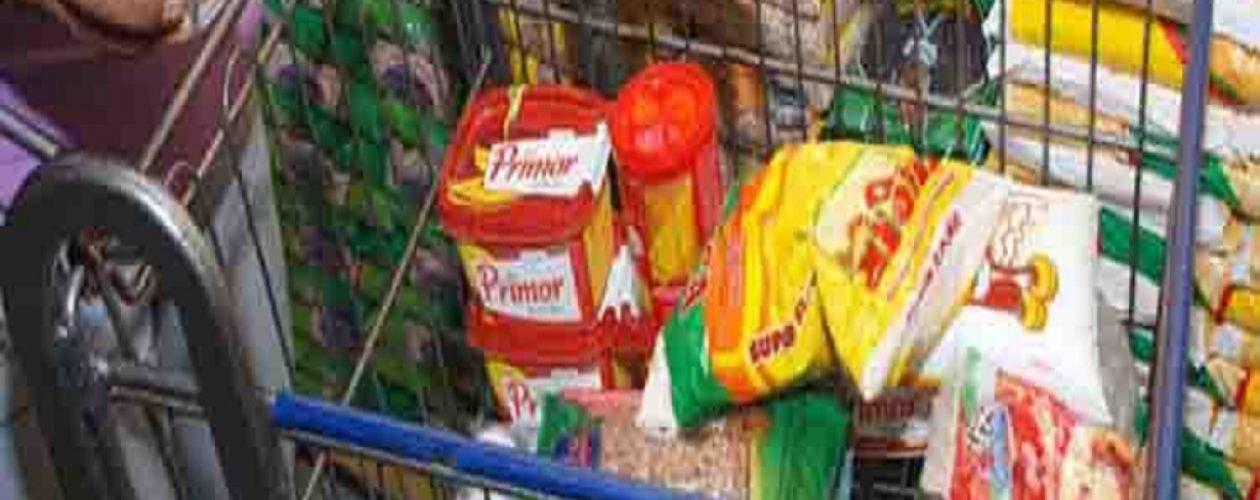 ¿Lavar o comer? Es la difícil decisión que deben tomar los venezolanos para sobrevivir