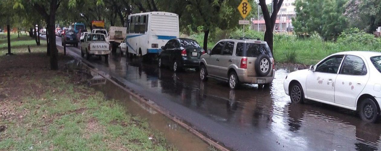 Reaparecen las colas por gasolina en Bolívar
