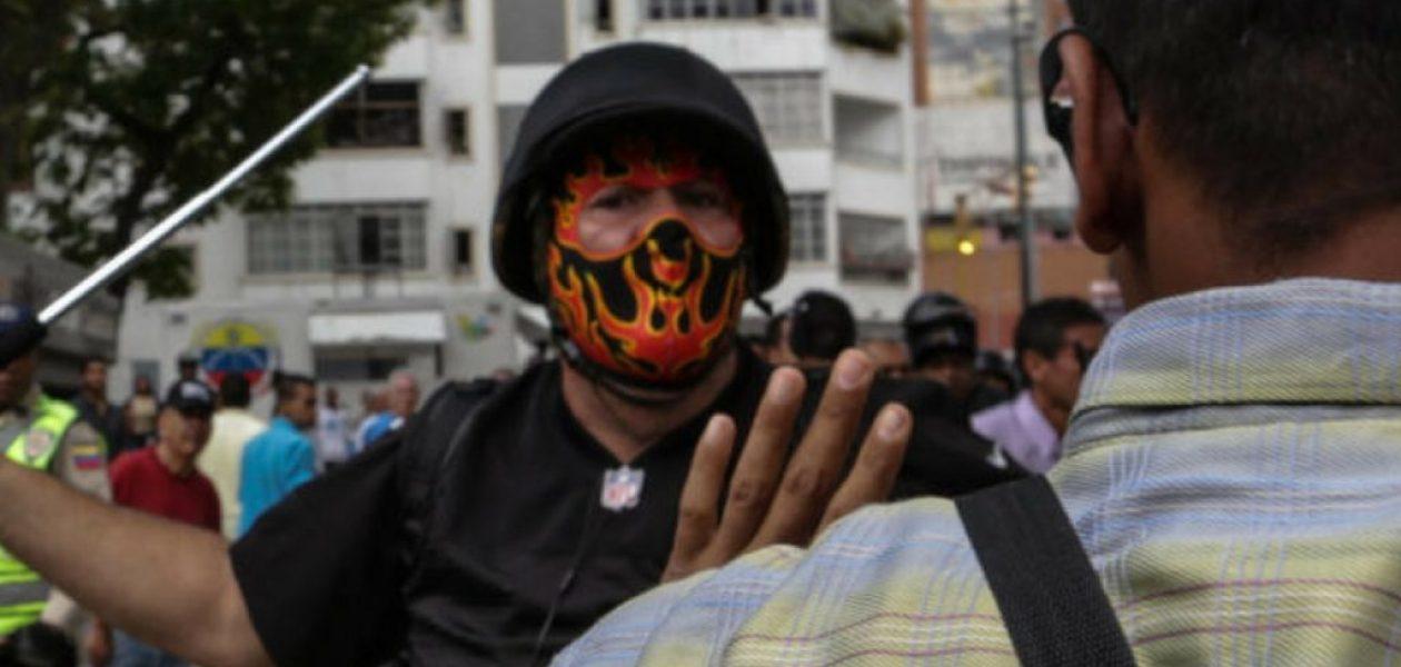 Colectivos en Venezuela: la amenaza de la sociedad que apoya el Gobierno