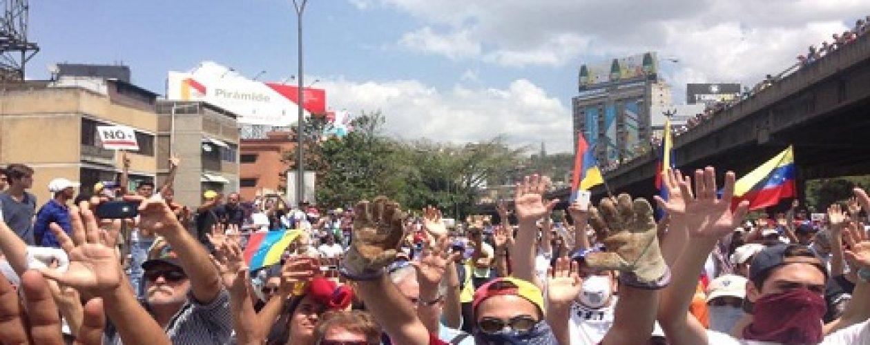 Represión impidió que oposición llegara a Defensoría del Pueblo en Caracas