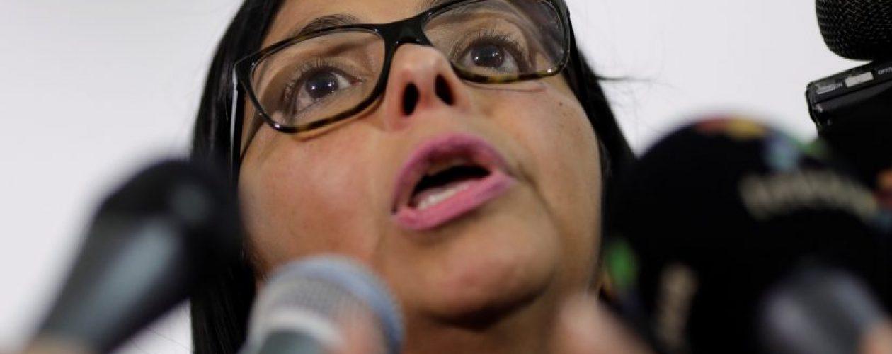 Delcy Eloína ordena a cinco partidos políticos renovarse ante el CNE
