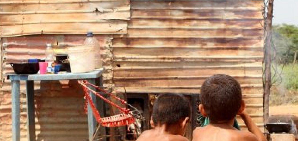 El drama de crecer en Venezuela: «Los niños se desmayan en la escuela por hambre»