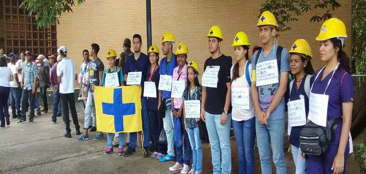 Menores de edad siguen detenidos por protestas en Bolívar