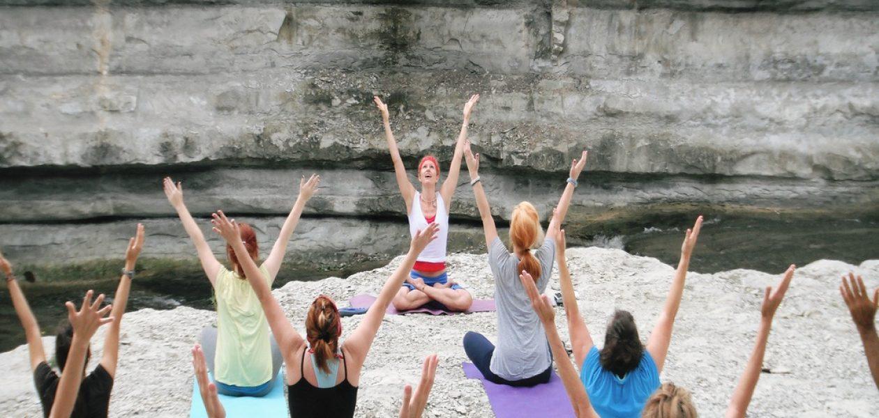 Día Internacional del Yoga en 2017 destaca los beneficios para la salud