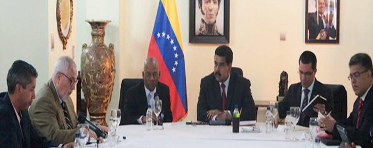Gobierno y oposición reinician diálogo en República Dominicana
