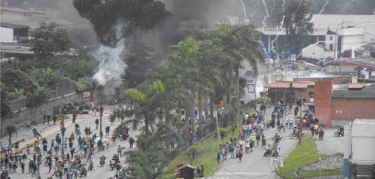 Saqueos y personas heridas tras disturbios en San Antonio de Los Altos