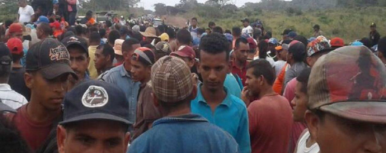 Desalojan a mineros en El Dorado