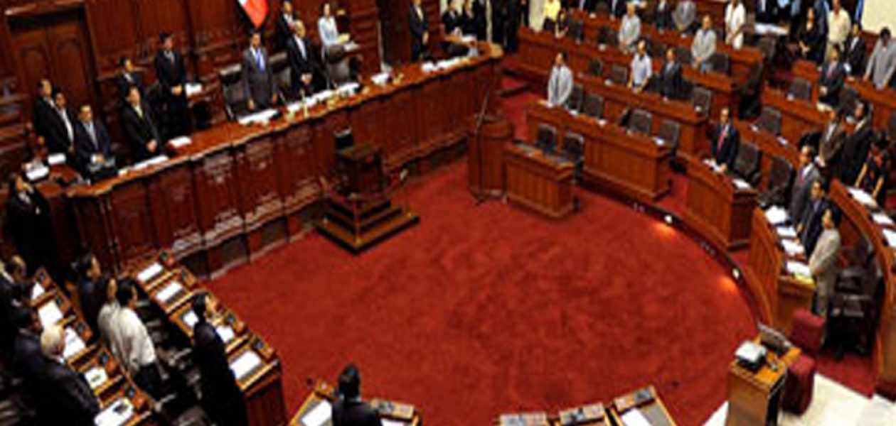 Congreso de Perú aprueba moción para expulsar a embajador de Venezuela