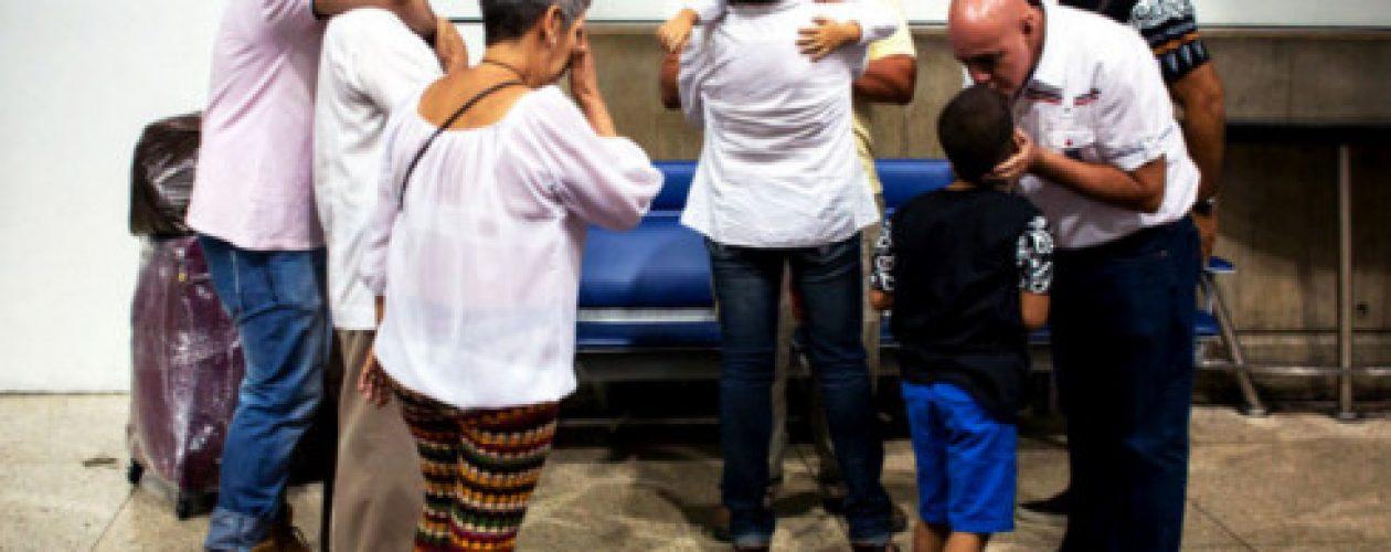 Datos | El 57% de los venezolanos quiere emigrar