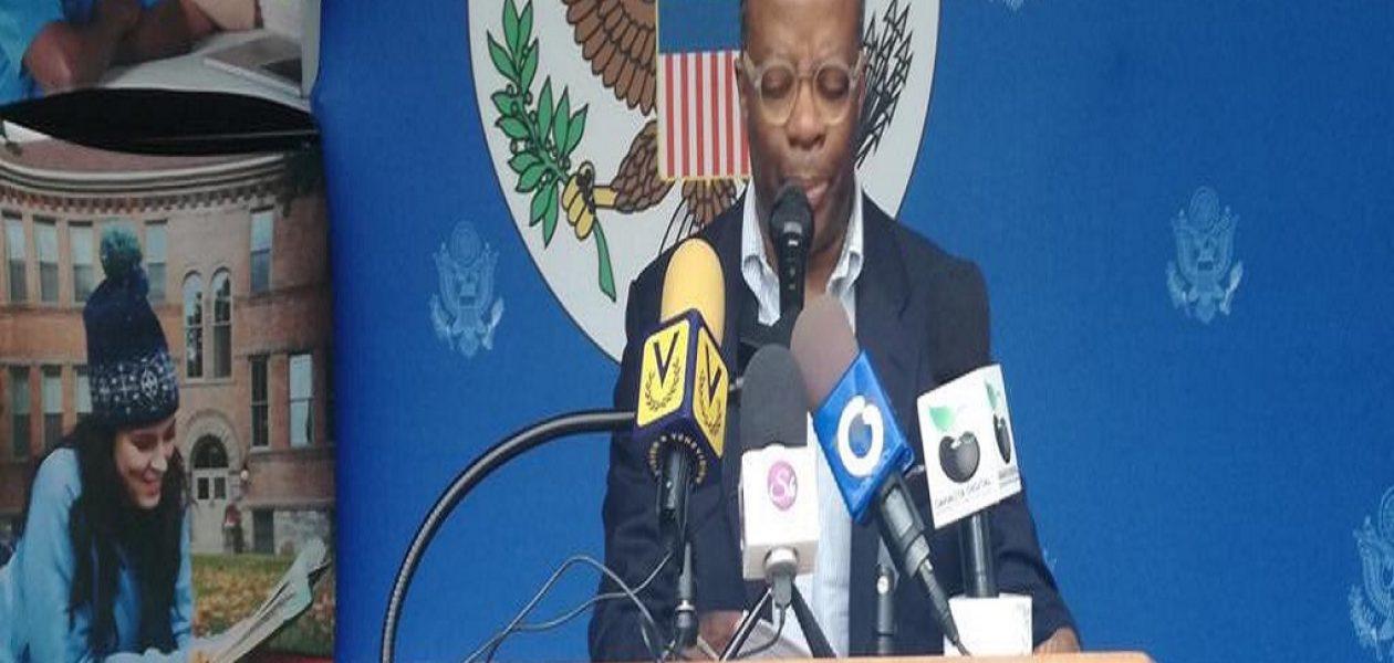 Encargado de negocios de EEUU en Venezuela fue expulsado del país (declaraciones)