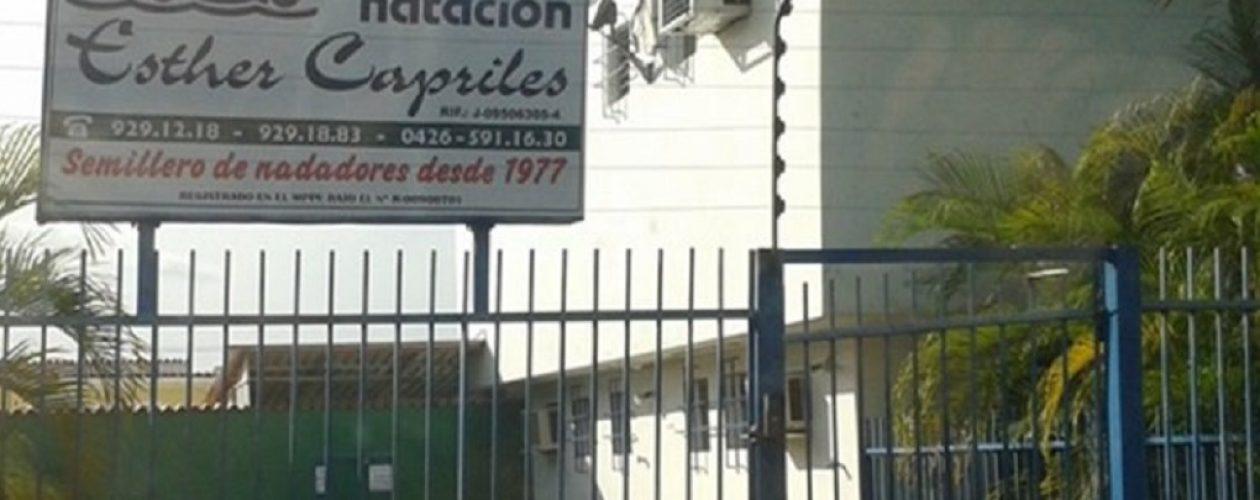 Crisis llega a la Escuela de natación Esther Capriles