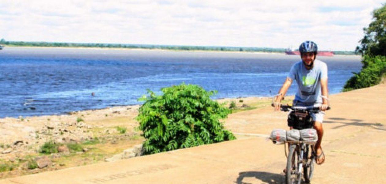 El Forrest Gump argentino hace parada en Guayana durante su travesía