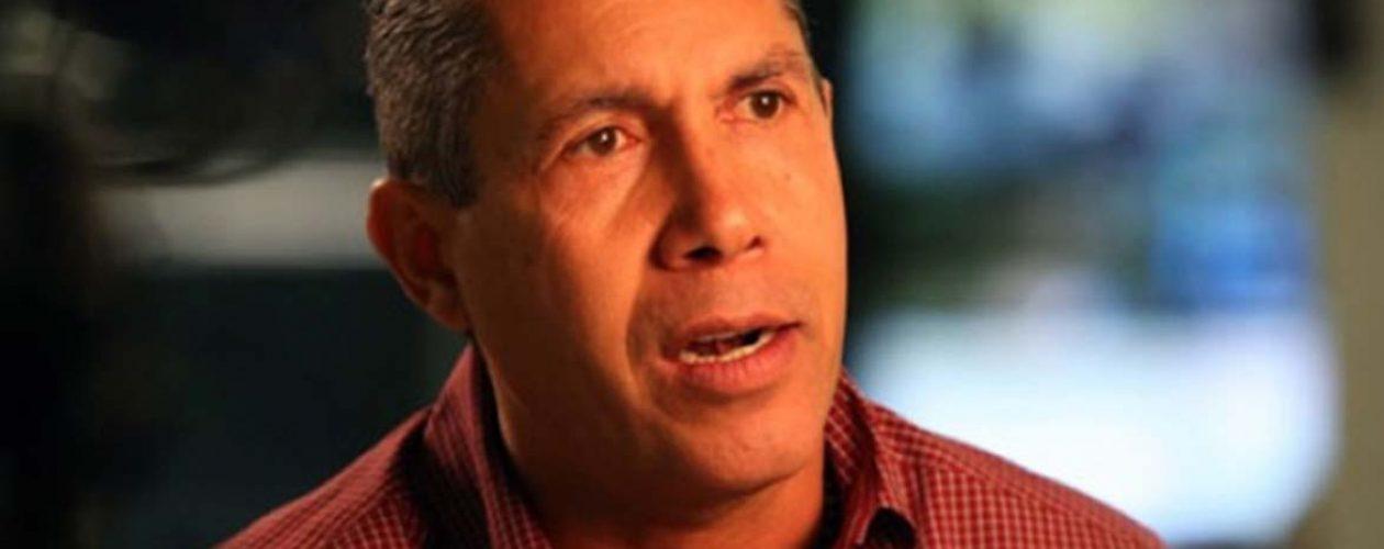 Henri Falcón inscribió oficialmente su candidatura ante el CNE