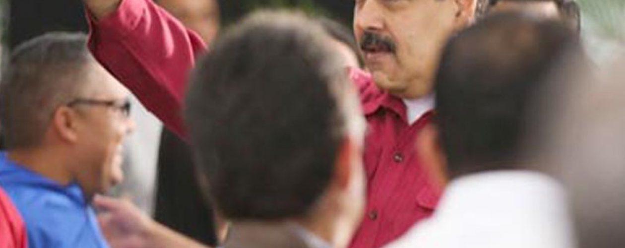Maduro reduce el horario administración pública