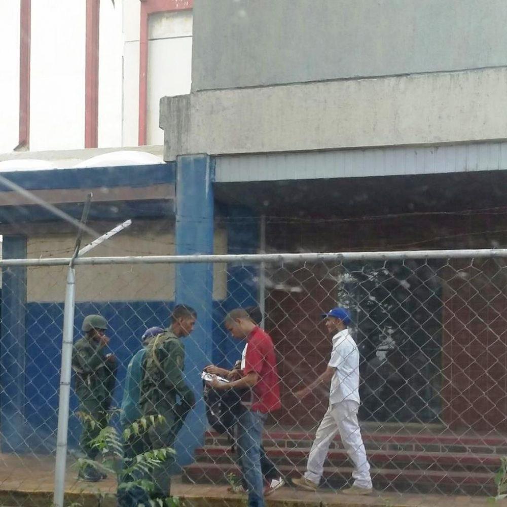 Desalojarán a comerciantes del Hospital Uyapar