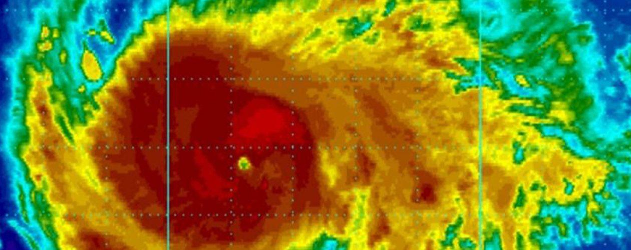 Huracán Irma se convierte en extremadamente peligroso de categoría 5
