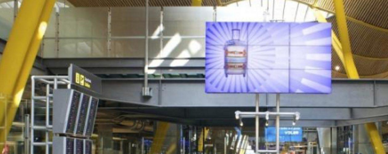 Inadmitidos en Barajas, así marcan sus pasaportes