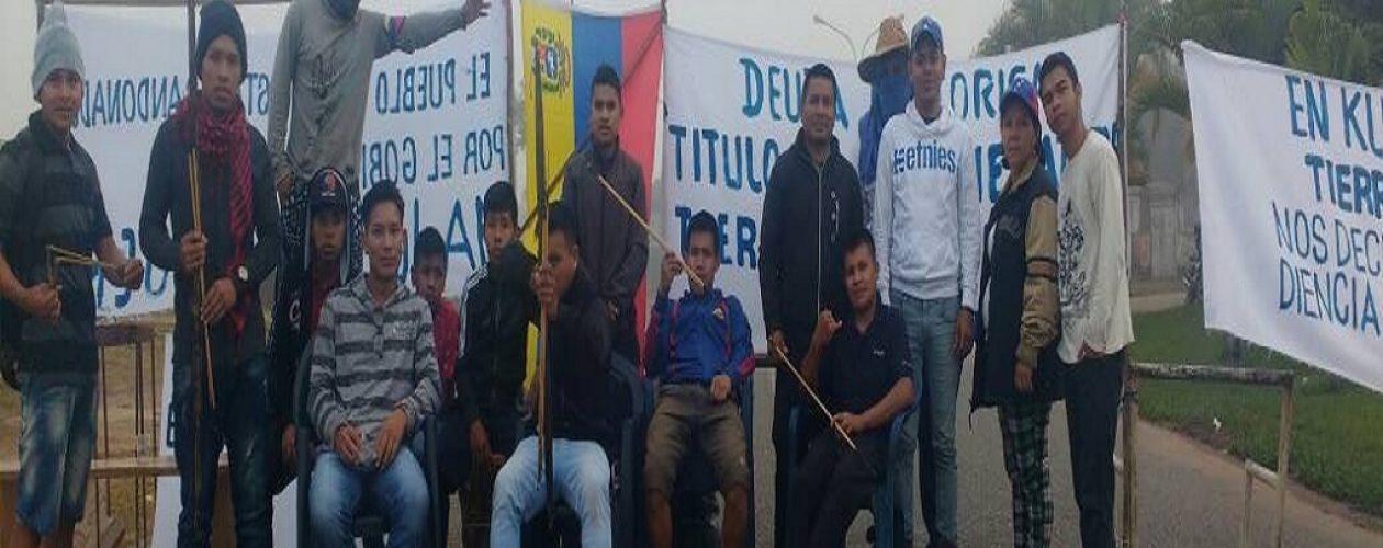 Pemones trancan frontera venezolana durante paro cívico activo