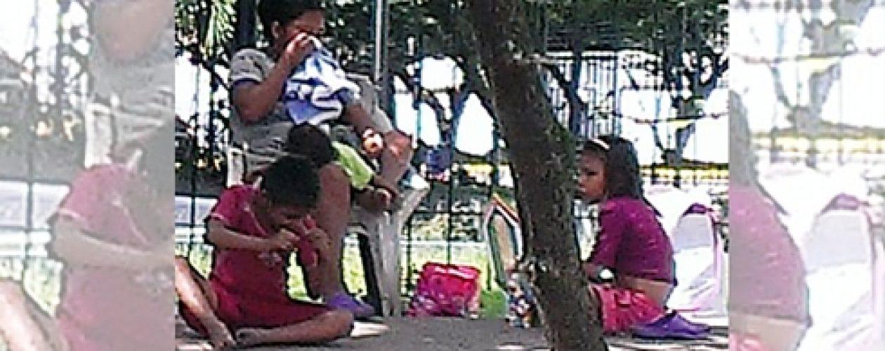 Niños indígenas forzados a pedir limosna por mafia fronteriza