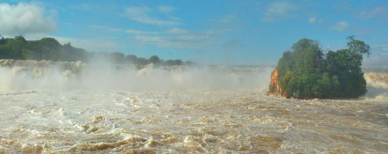 Lluvias y descarga en represa Macagua inunda más de 130 viviendas