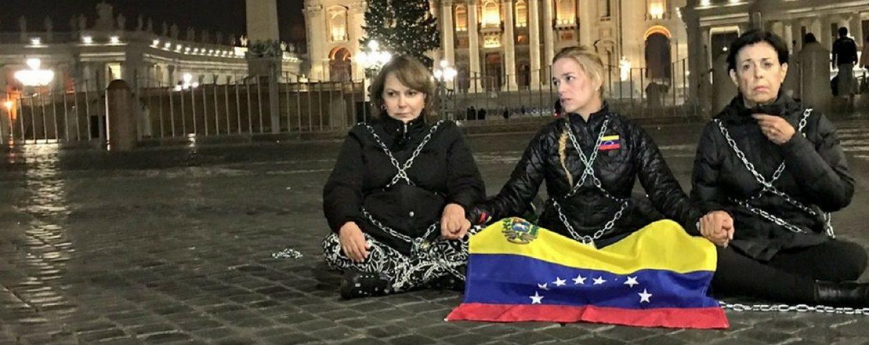 Levanta protesta Lilian Tintori en el Vaticano