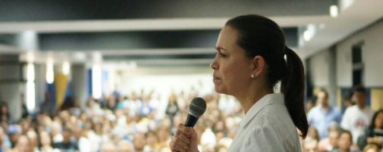 María Corina Machado participó en foro Yo le apuesto a Venezuela en Bolívar