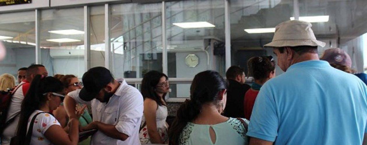 Migración Panamá mantiene varados a 76 venezolanos en la frontera