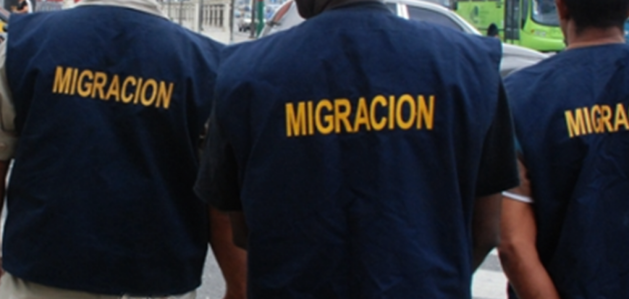 Dominicana devuelve a Venezuela a un grupo de peloteros
