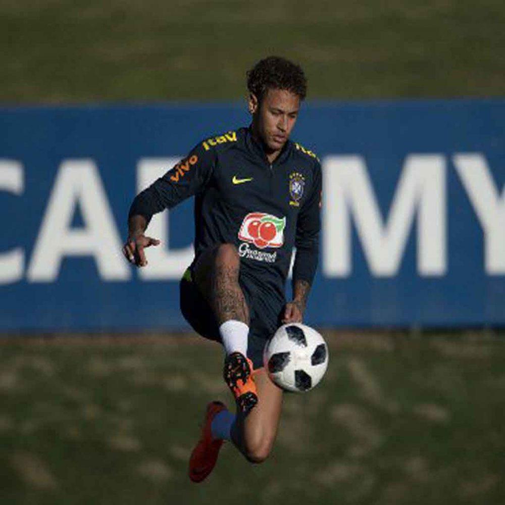 Neymar se pone a tono para el Mundial y ya entrena con la selección de Brasil