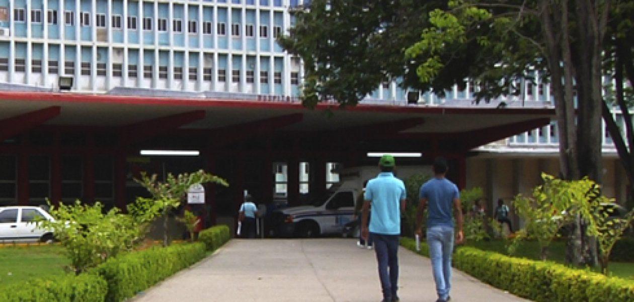 Pacientes con VIH se quedan sin atención por crisis hospitalaria