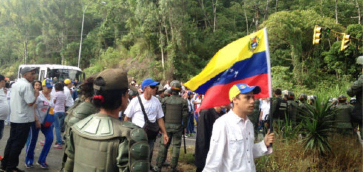 Forcejeo entre GNB y manifestantes en la Panamericana deja cuatro heridos