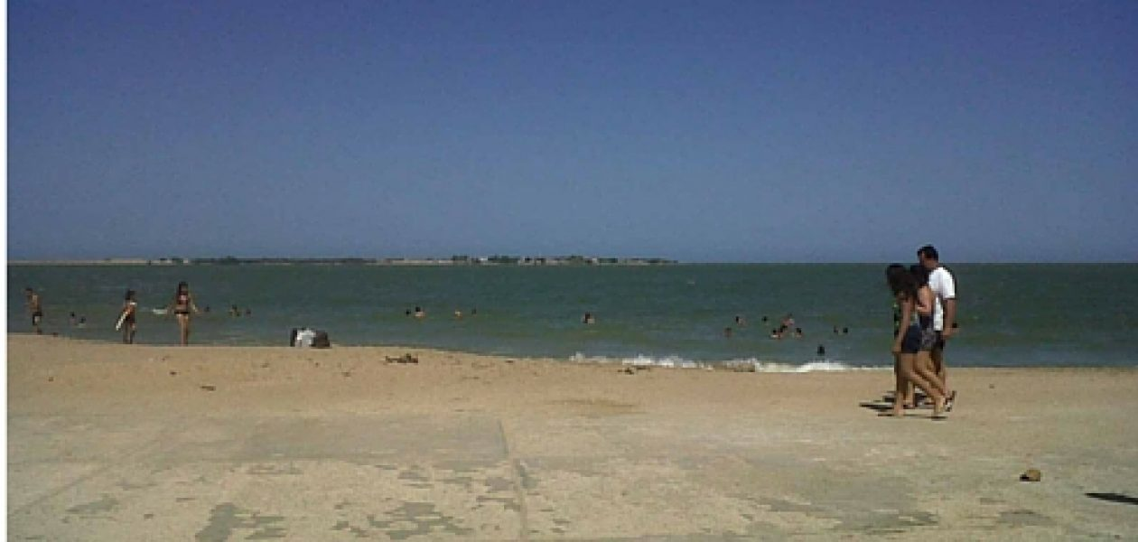Número de playas aptas en Zulia se reducen por contaminación del lago