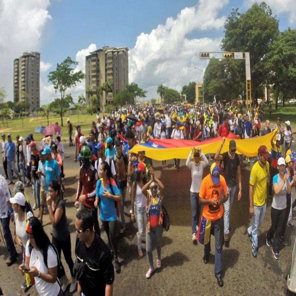 ¿Venezolanos participarán en plebiscito del 16 de julio?