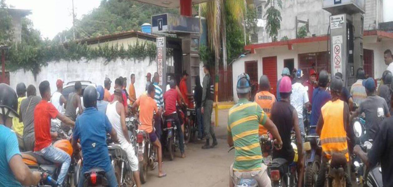 Aprovechan escasez para aumentar precio de la gasolina al sur de Bolívar