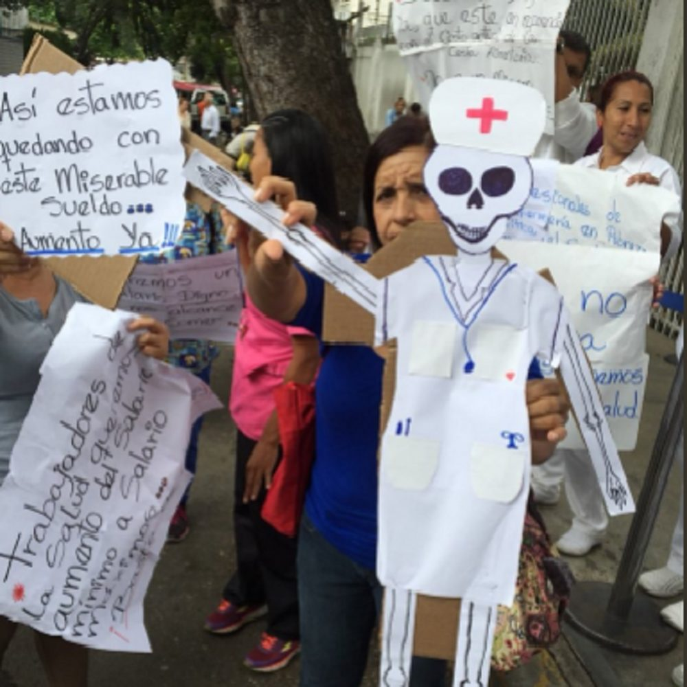 Trabajadores de la Maternidad Santa Ana se unieron a la protesta de salud convocada #17Abr