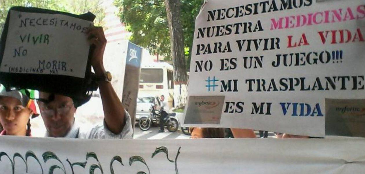 Realizan protesta en el IVSS por escasez de medicinas