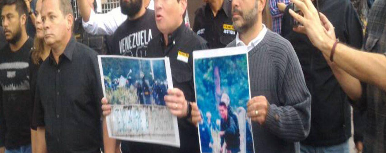 Diputados protestaron en la sede de la Guardia Nacional