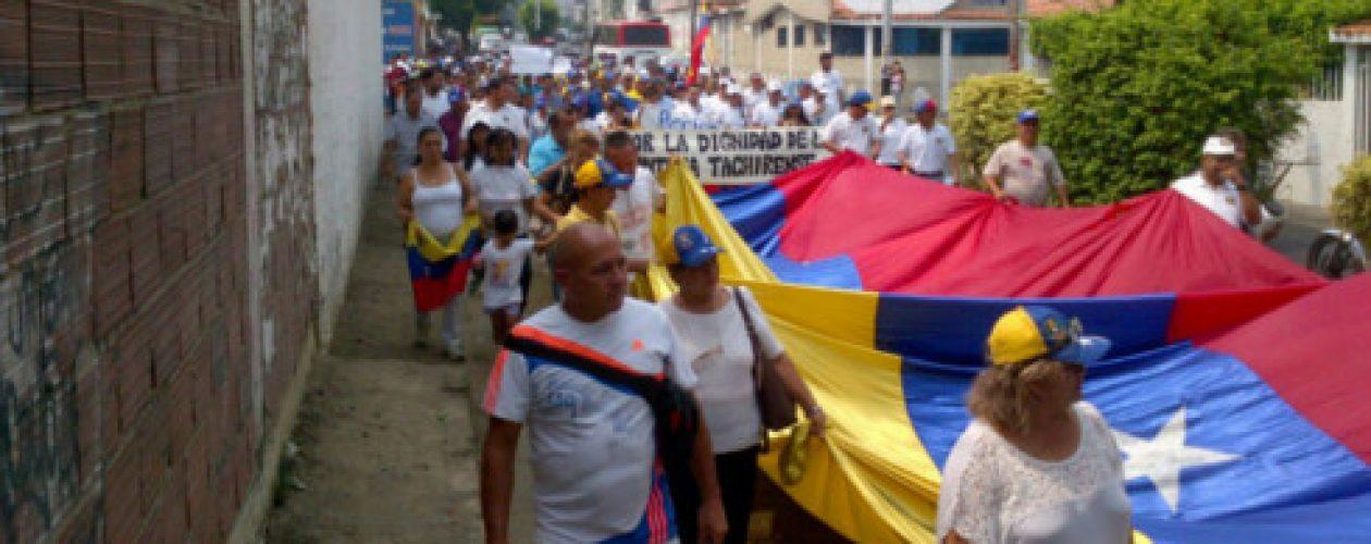 Nueva protesta en Táchira para exigir apertura de la frontera