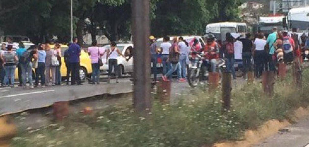 Protestas en Petare por segundo día consecutivo