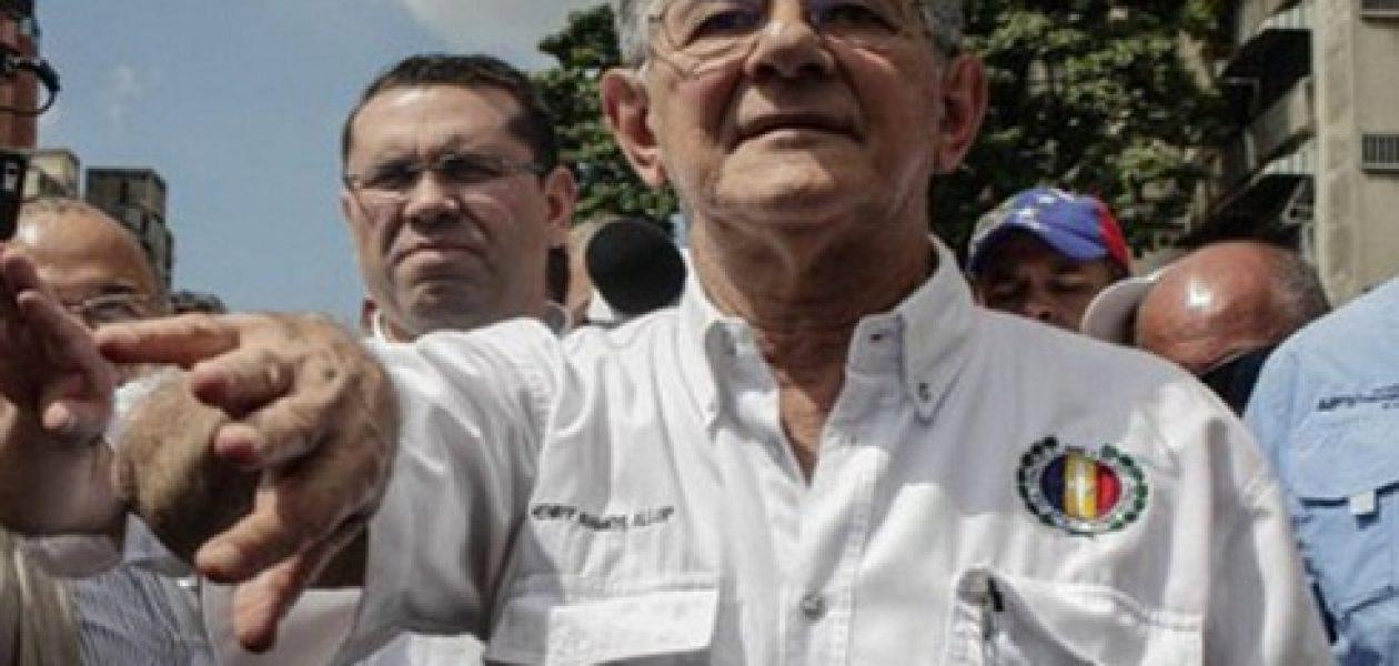 Grupos oficialistas atacaron a Ramos Allup en Sucre