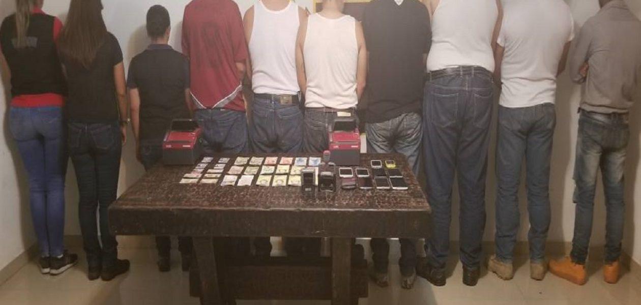Detenidos 10 funcionarios del SAIME por cobrar 30.000 pesos por sellar pasaporte